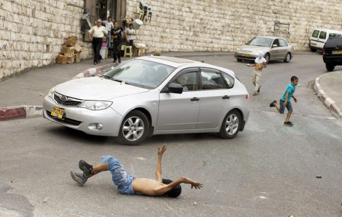 """إصابة طفل فلسطيني إثر دهسه جيب عسكري """"إسرائيلي"""" في جنين"""