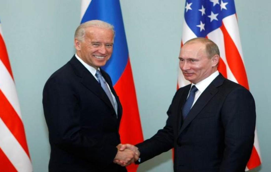 فلاديمير بوتين وجو بايدن.