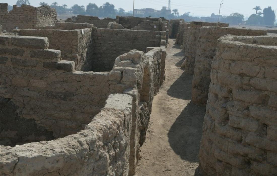 اكتشاف المدينة الذهبية المفقودة في الأقصر.jpg