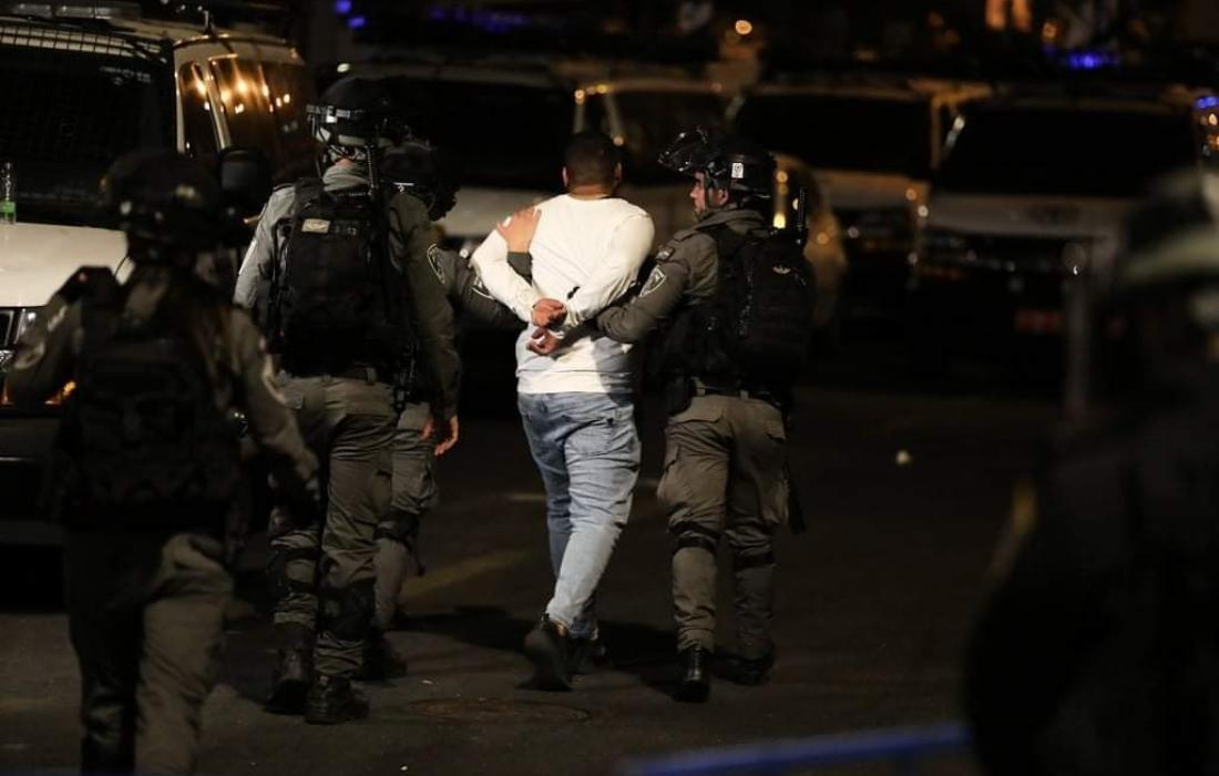 قوات الاحتلال تعتقل عددًا من الفلسطينيين بينهم أسرى محررون بالضفة المحتلة