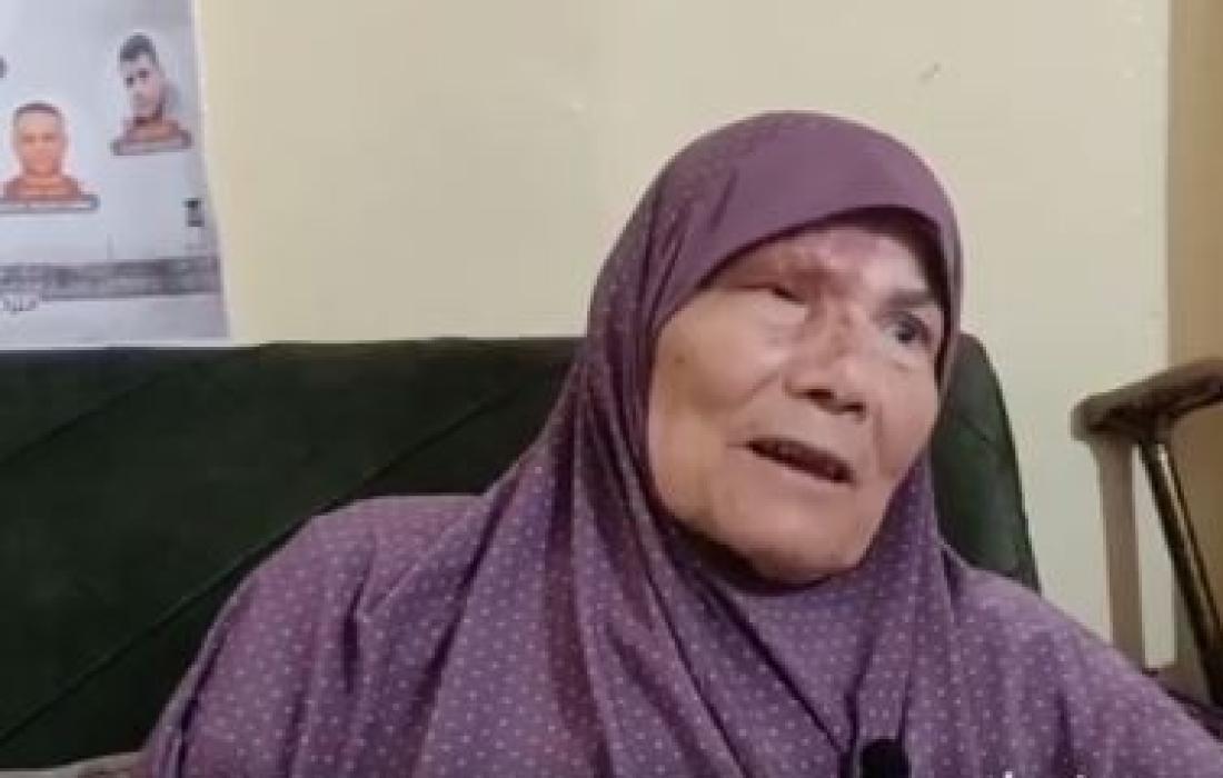 والدة الأسير محمود العارضة.JPG
