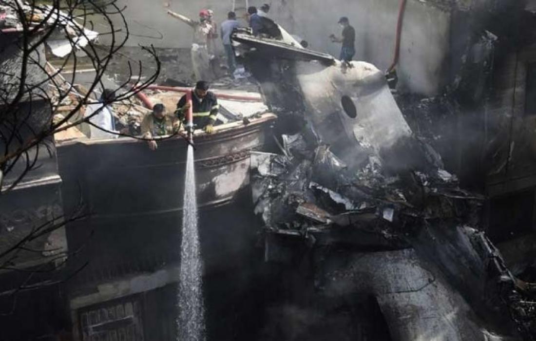 تحطم طائرة الباكستانية