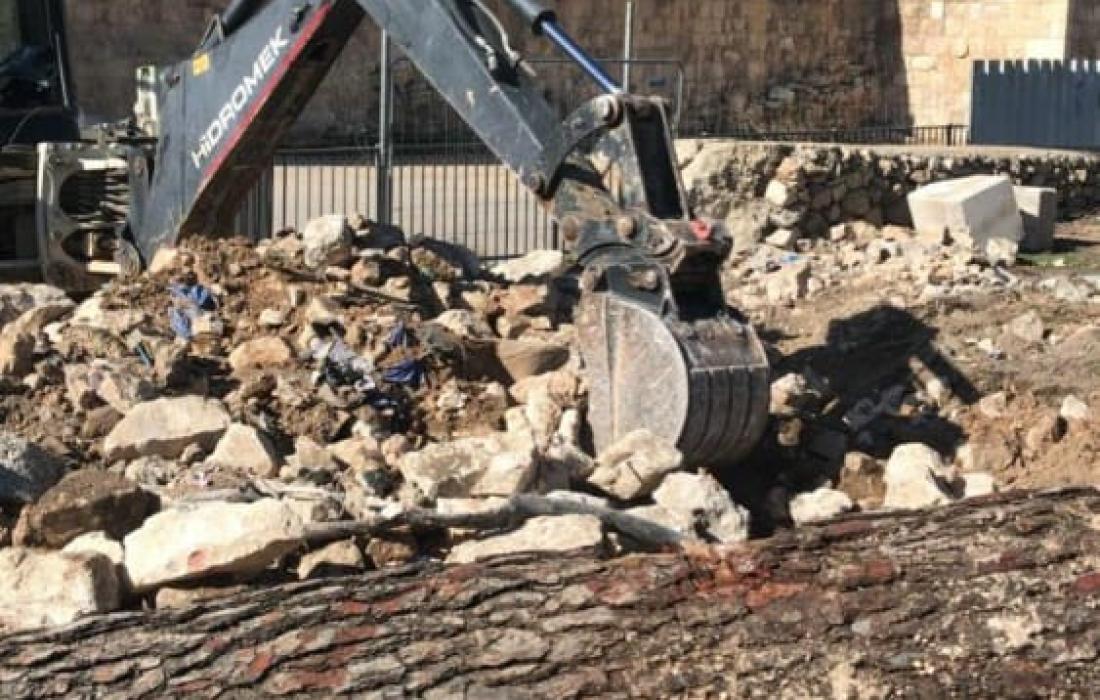 """الاحتلال يواصل أعمال تجريف وتخريب في مقبرة """"الشهداء"""" بالقدس"""
