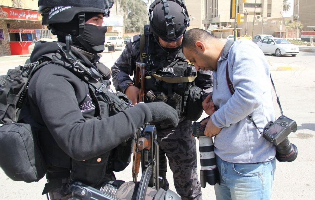 اعتقال صحفين في الضفة