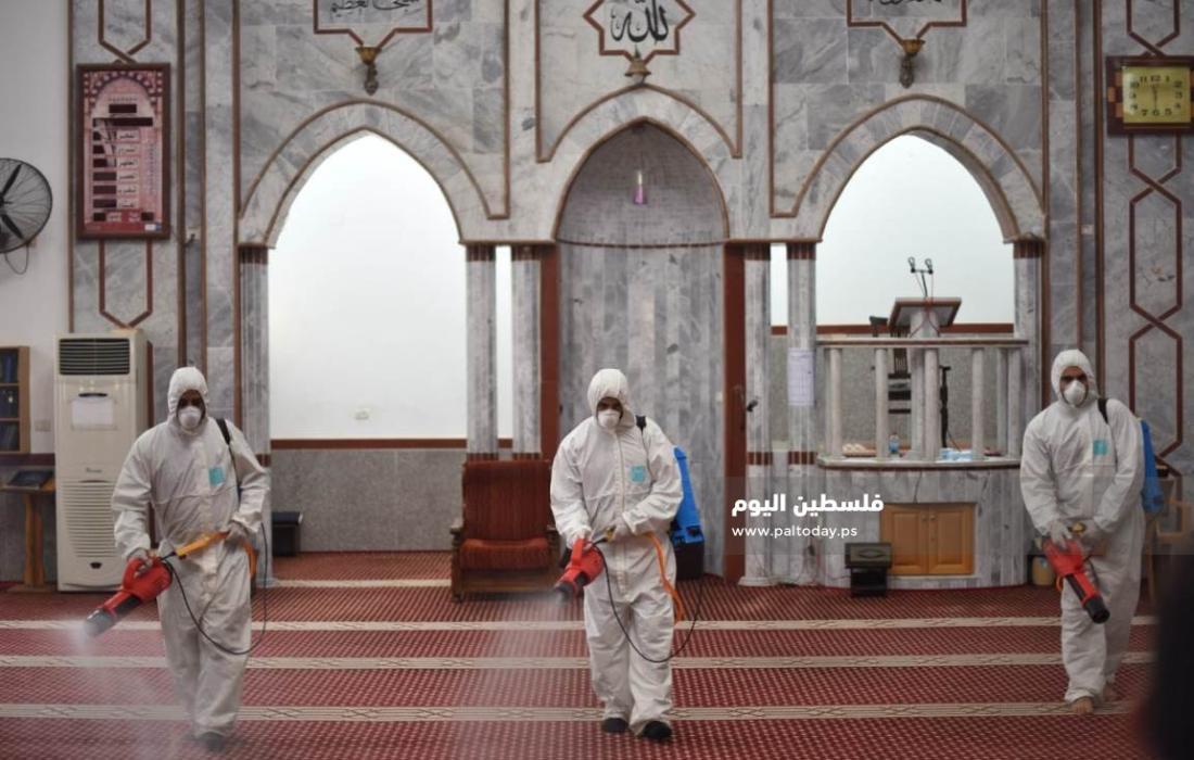 حملة وطهر بيتي لتعقيم مساجد قطاع غزة (13)