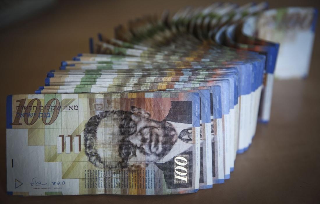أسعار الدولار والعملات مقابل الشيقل اليوم الاحد 25-4-2021