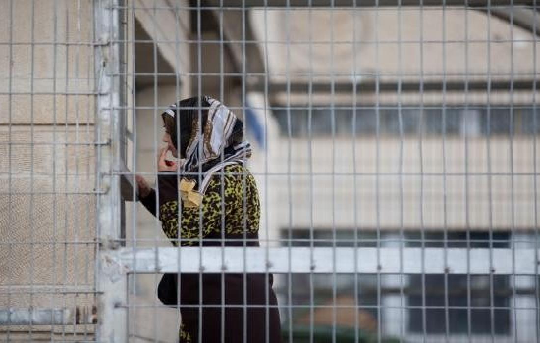 قوات الاحتلال تفرج عن أسيرة في بيت لحم
