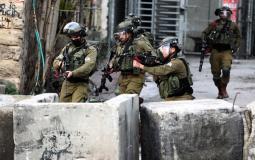 قوات الاحتلال تعتقل 8 شبان فلسطينيين في القدس المحلتة