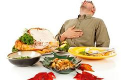 احذر تناول الطعام قبل النوم لهذه الاسباب