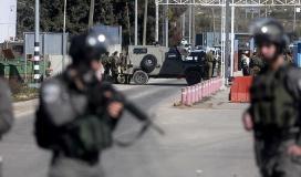 جنود الاحتلال يعتدون على عمال فلسطين