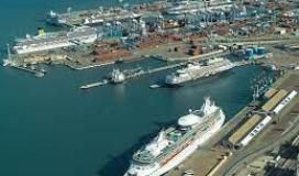 ميناء الخليج في حيفا.jpg