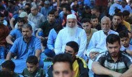 صلاة الجمعة أمام الصليب الاحمر بغزة نصرة لـ أسرى الجهاد المضربين عن الطعام  (24).JPG