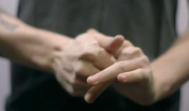 طقطقة-الأصابع