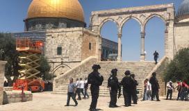 الاحتلال يعتدي على المصلين في الأقصى