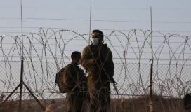الاحتلال يطلق الرصاص اتجاه أراضي المزارعين وسط قطاع غزة