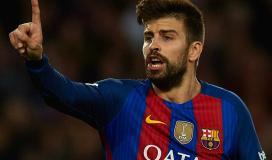 جيرارد بيكيه قلب دفاع برشلونة الاسباني