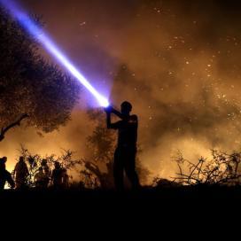 بالصور:فعاليات الارباك الليلي في بيتا جنوب نابلس والتي تستهدف إجبار المستوطنين على إخلاء جبل صبيح