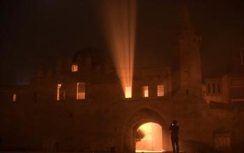 """كما لم تشاهدها من قبل ... """"قلعة برقوق """" يكسوها الضباب فى مشهد نادر"""