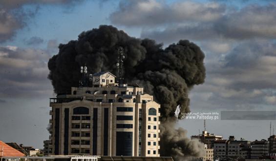 محدث :طائرات الاحتلال تواصل استهداف المنازل المدنية والبنى التحتية في قطاع غزة لليوم الثامن على التوالي