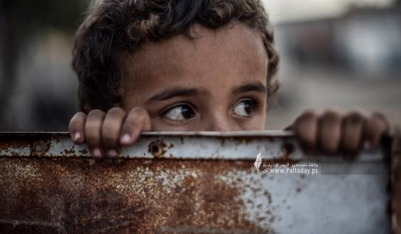 في اليوم العالمي لمكافحة الفقر ..أطفال غزة تحت وطأة الفقر والحصار الاسرائيلي