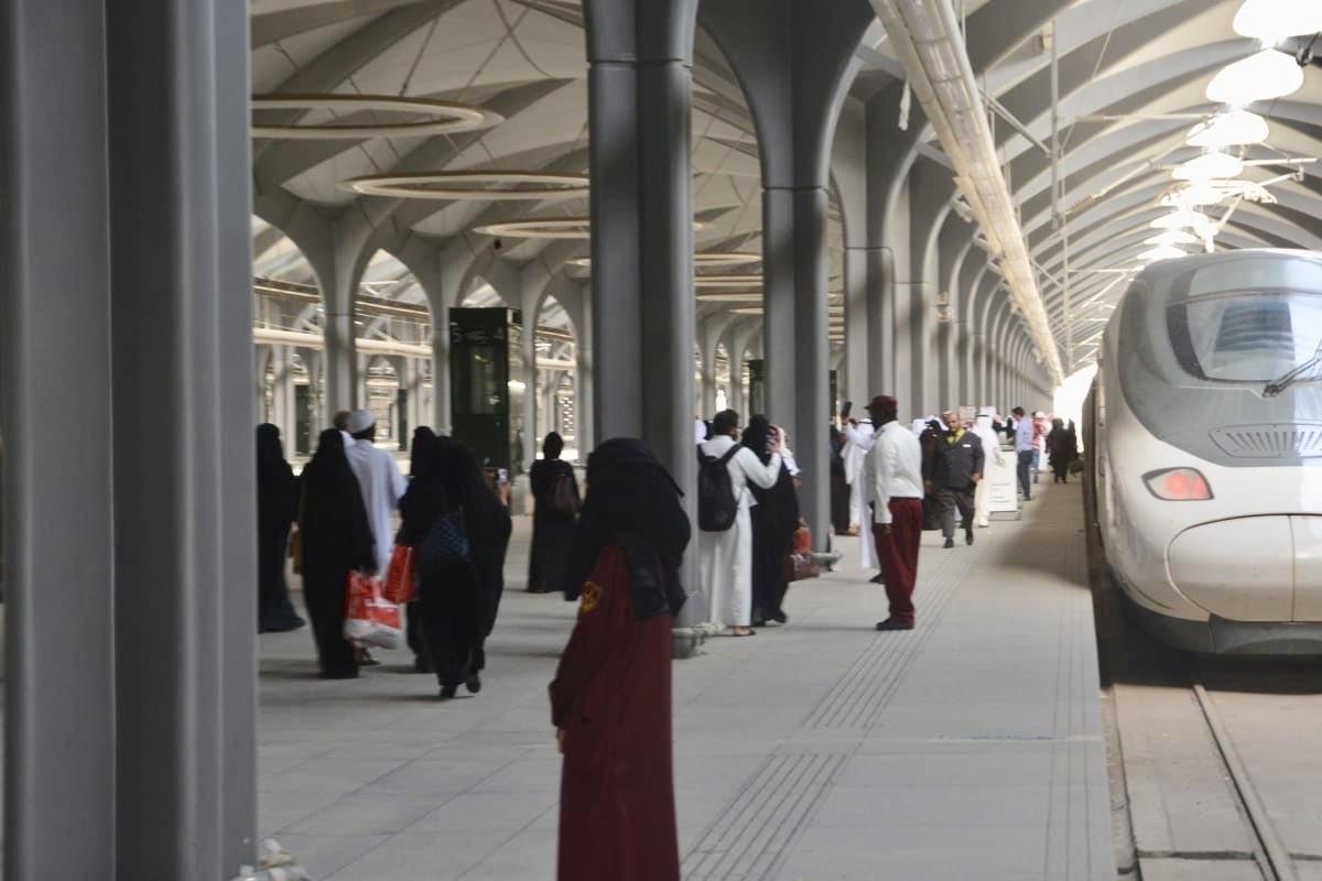 تفسير حلم القطار للعزباء والمتزوجة والحامل لابن سيرين فلسطين اليوم